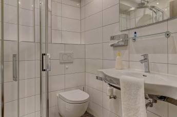 Doppelzimmer Komfort und Deluxe Bad