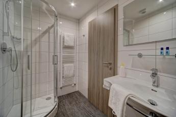 Doppelzimmer Komfort und Business Bad