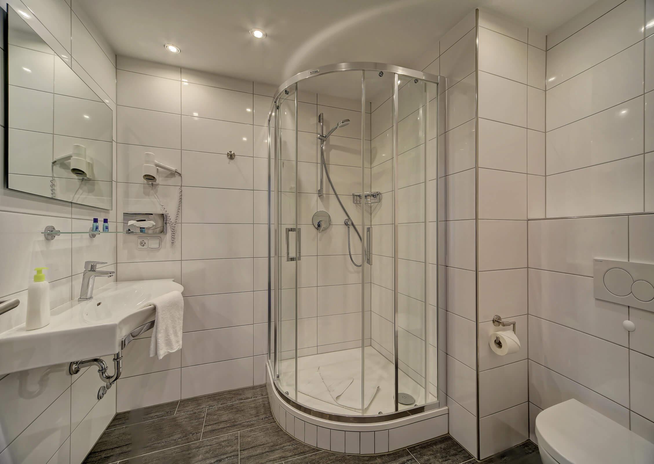 Hotel Post in Weiden Doppelzimmer Business Bad
