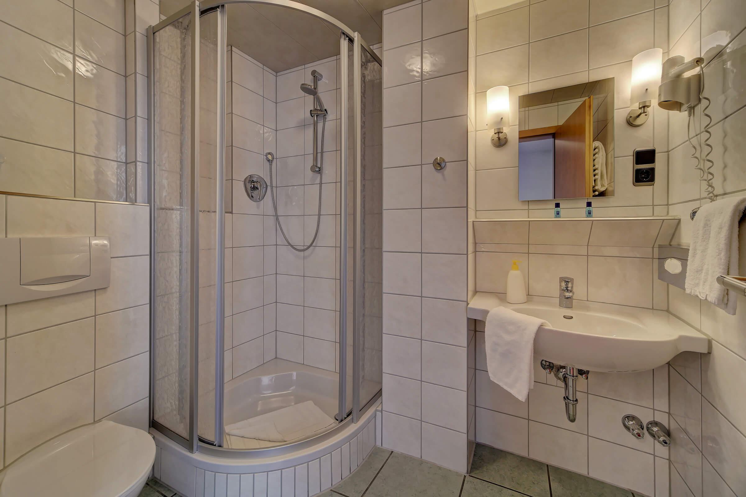 Hotel Post in Weiden Doppelzimmer Standard mit Balkon Bad